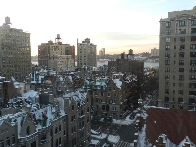 Por do sol no Midtown foto de stock royalty free