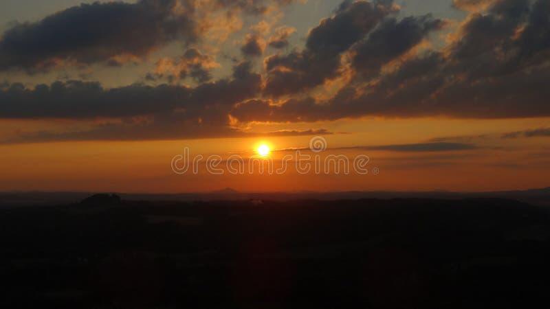 Por do sol no paraíso boêmio imagem de stock