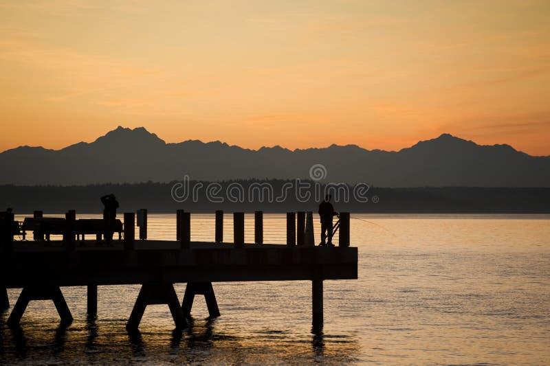 Por do sol no parque da âncora em Seattle ocidental, Washington fotografia de stock