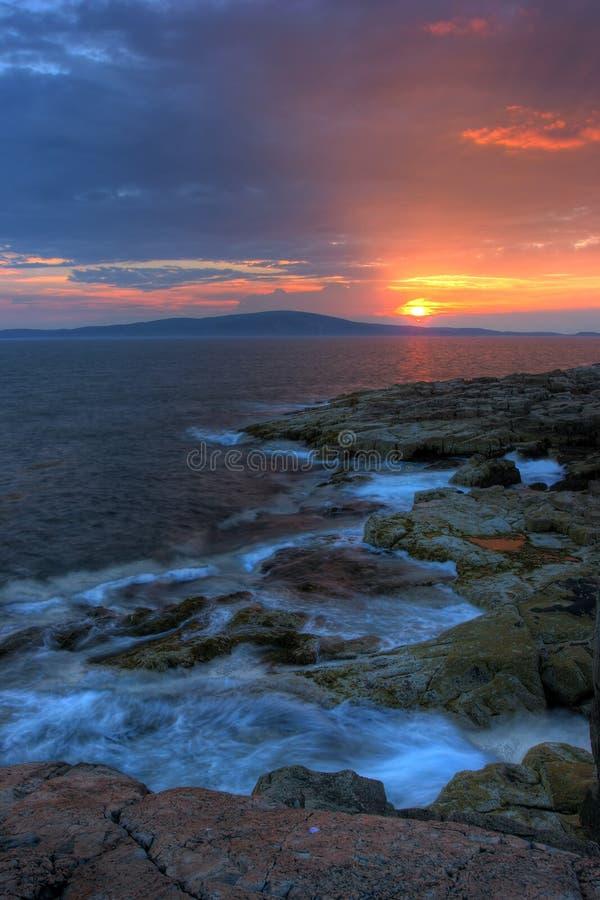 Por do sol no parque nacional do Acadia imagem de stock
