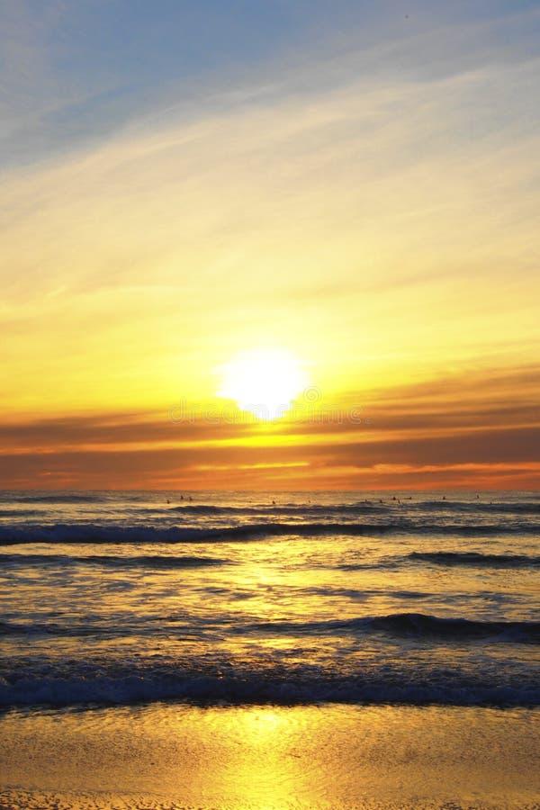 Por do sol no piha, Nova Zelândia imagens de stock