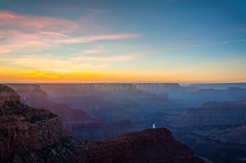 Por do sol no ponto do Mojave em Grand Canyon foto de stock