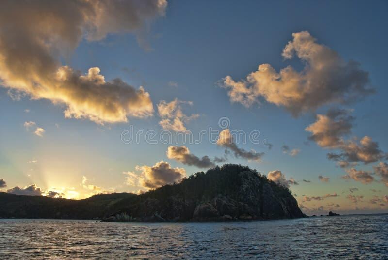 Por do sol nos consoles de Whitsunday fotos de stock royalty free