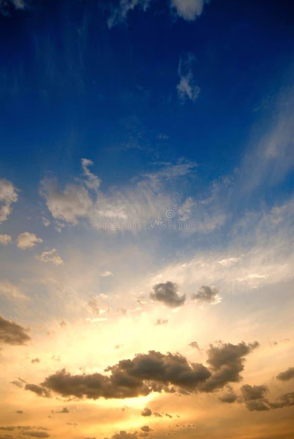 Por do sol. nuvens imagens de stock royalty free