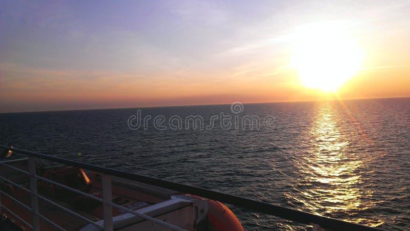 Por do sol outro o mar fotos de stock royalty free