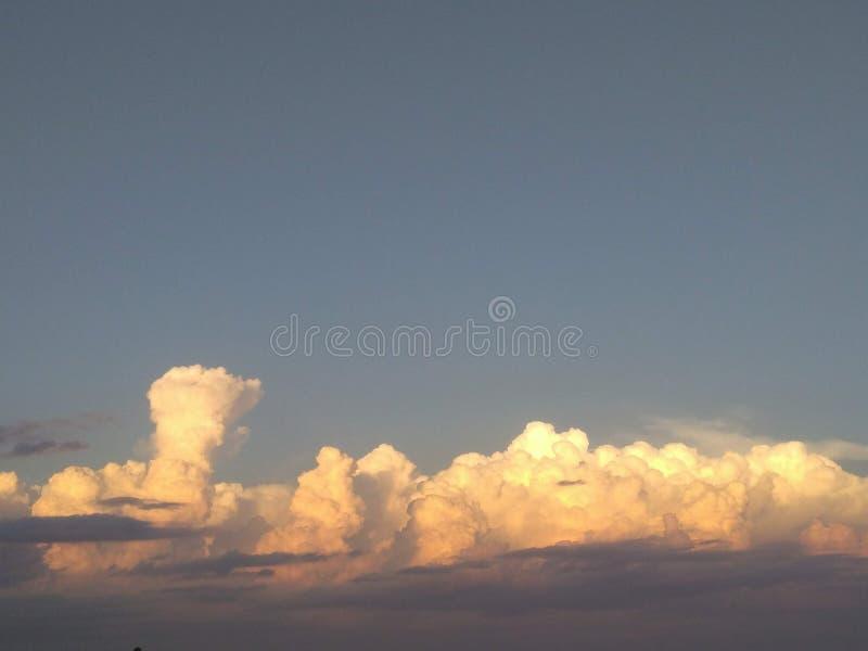 Por do sol particular e céu imagens de stock
