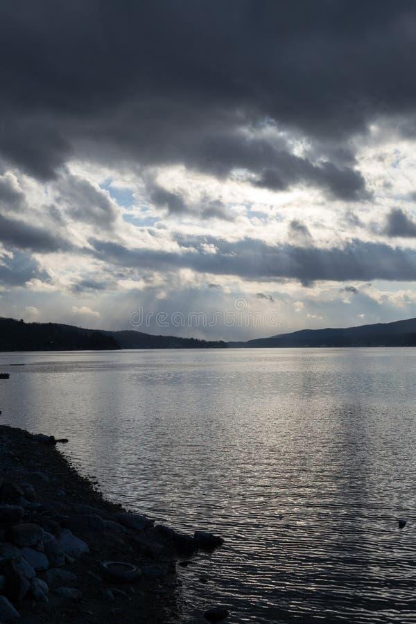 Por do sol pelo lago greenwood (NY) foto de stock