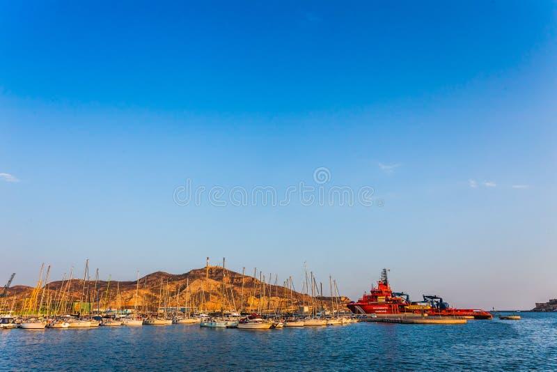 Por do sol do porto do porto de Cartagena Múrcia na Espanha mediterrânea fotografia de stock royalty free