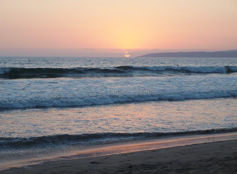 Por do sol Pureto Vallarta México da praia foto de stock royalty free