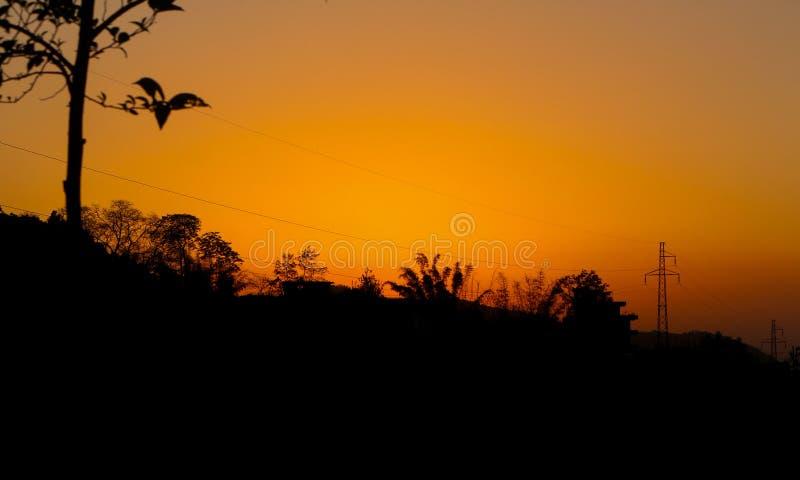 Por do sol que cria a luz bonita fotografia de stock royalty free
