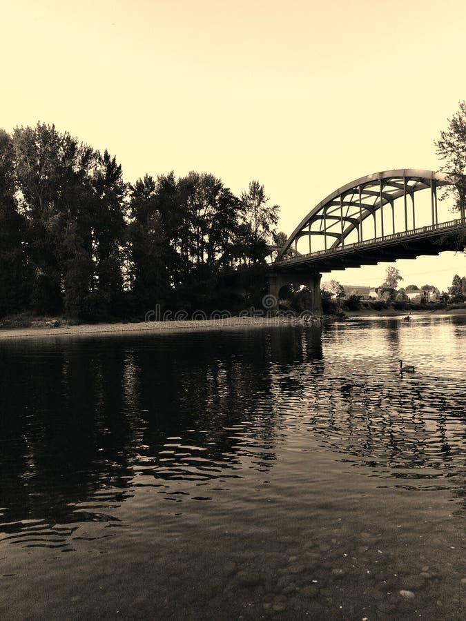 Por do sol rústico da ponte imagens de stock royalty free