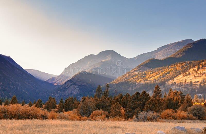 Por do sol; Rocky Mountain National Park fotografia de stock