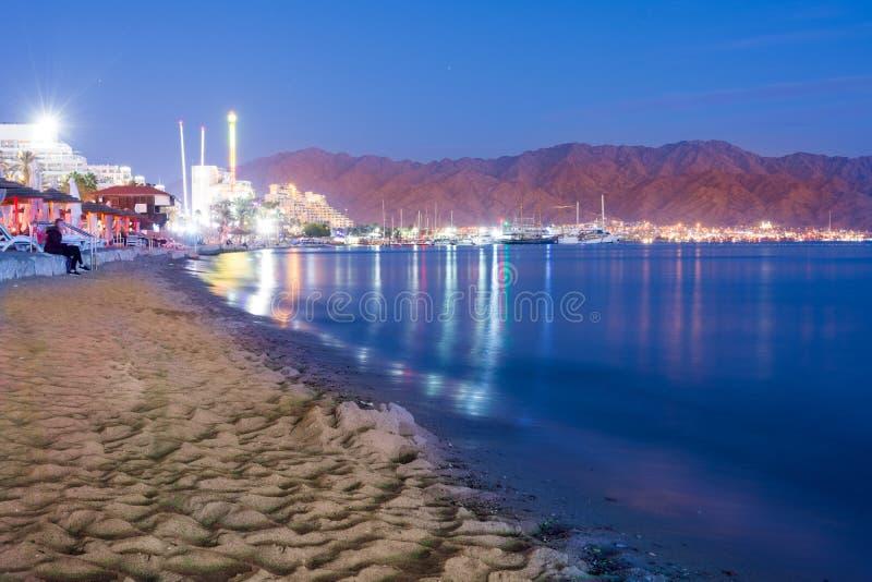Por do sol sobre Eilat, Israel e Aqaba, Jordânia fotografia de stock royalty free