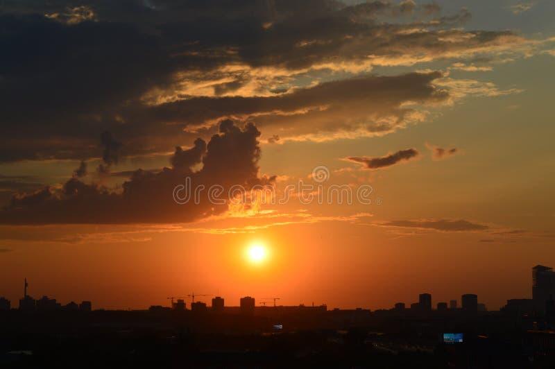 Por do sol sobre Moscovo fotografia de stock royalty free