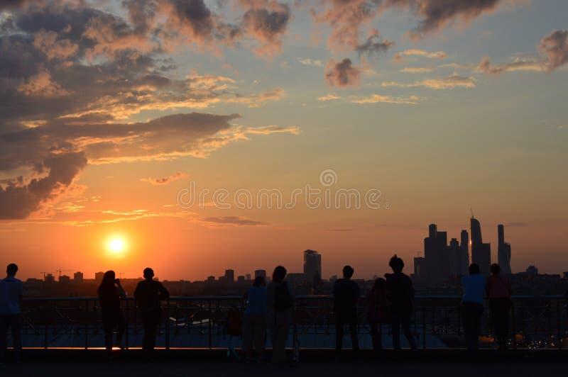 Por do sol sobre Moscovo fotografia de stock