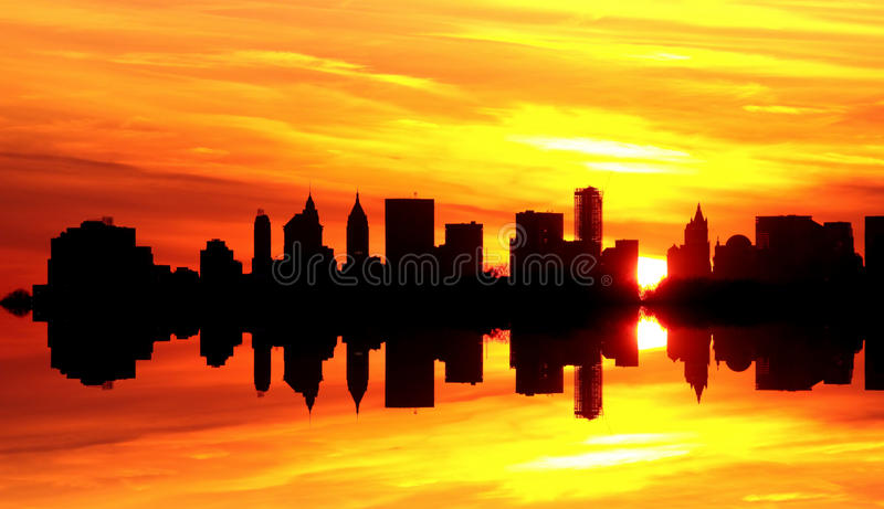 Por do sol sobre New York City fotos de stock royalty free