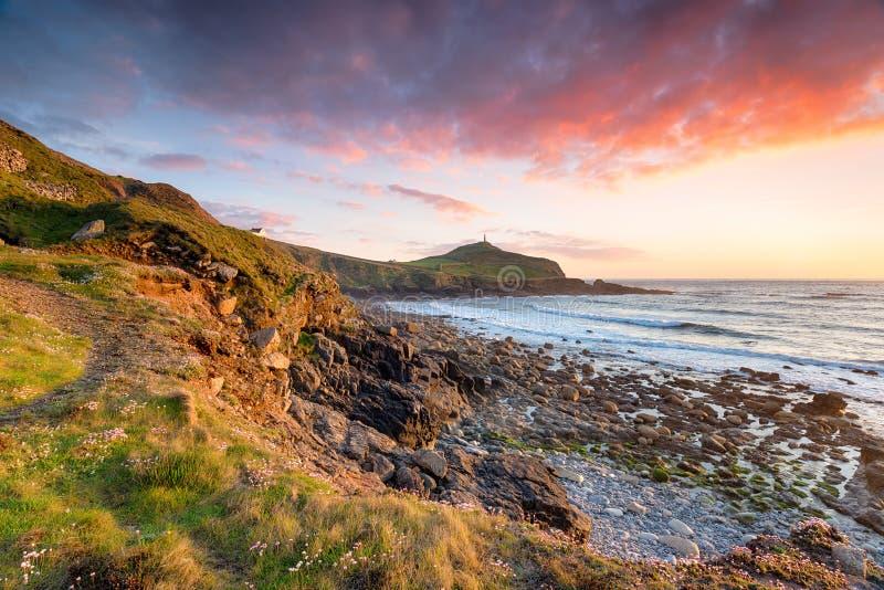 Por do sol sobre o cabo Cornualha imagens de stock royalty free