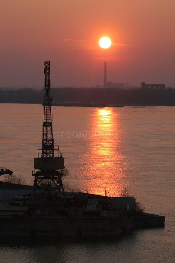 Por do sol de Danúbio foto de stock