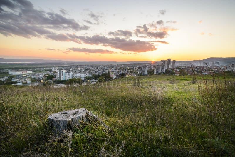 Por do sol sobre o gradina do kaicieva, Varna fotografia de stock royalty free