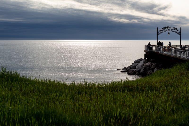 Por do sol sobre o lago Erie fotos de stock royalty free