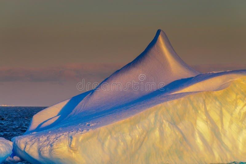 Por do sol sobre o mar de Weddell fotos de stock