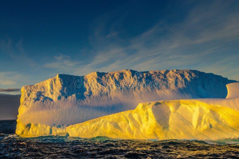 Por do sol sobre o mar de Weddell imagens de stock