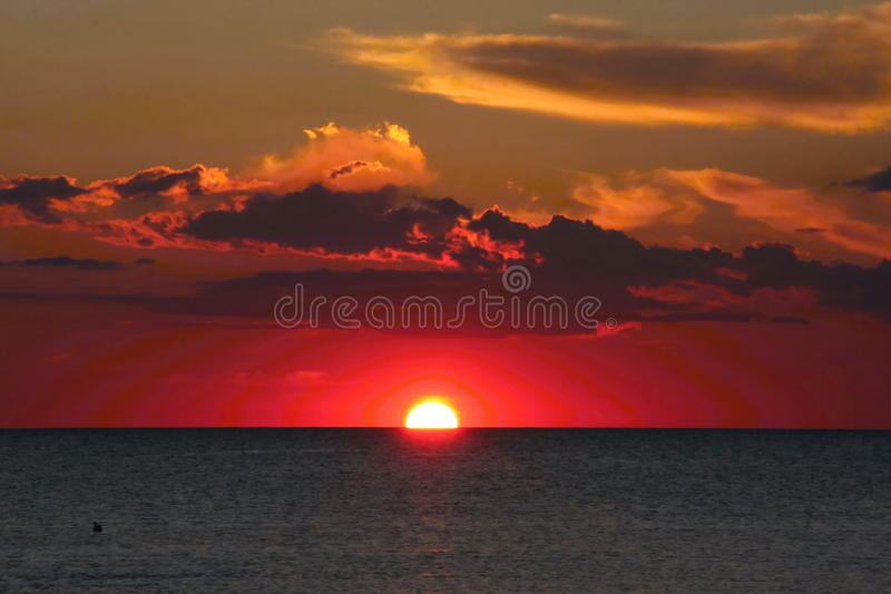 Por do sol sobre o Mar do Norte, Noruega fotografia de stock royalty free