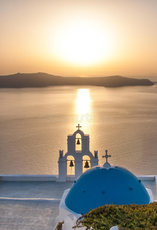 Por do sol sobre o Mar Egeu, Oia, Santorini, Grécia imagens de stock