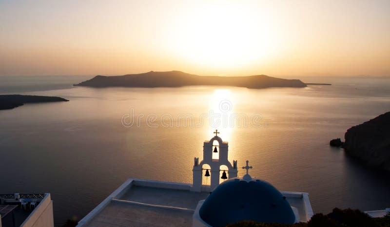 Por do sol sobre o Mar Egeu, Oia, Santorini, Grécia fotos de stock royalty free