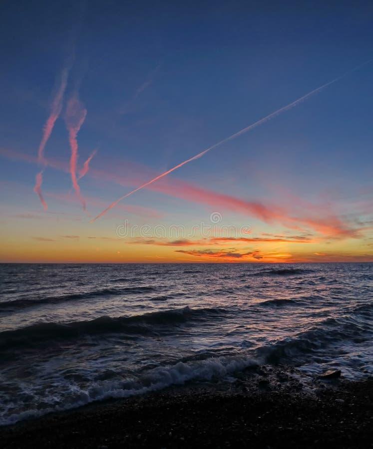 Por do sol sobre o Mar Negro Sochi Rússia foto de stock royalty free