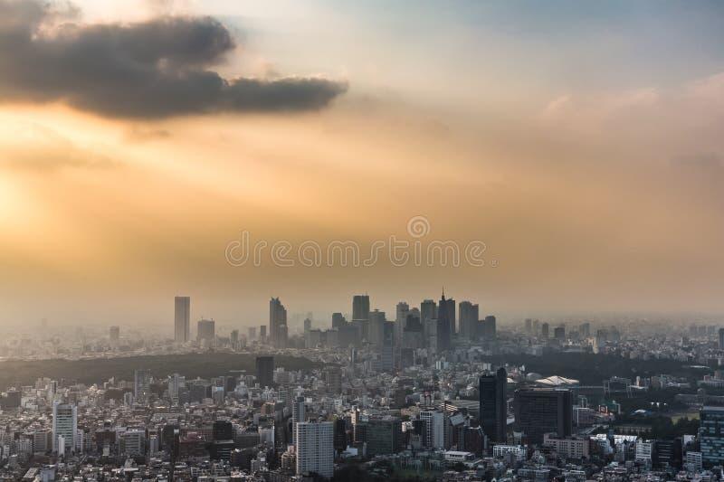 Por do sol sobre o Tóquio imagem de stock royalty free