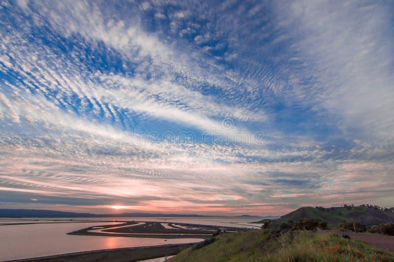 Por do sol sobre San Francisco Bay fotografia de stock royalty free