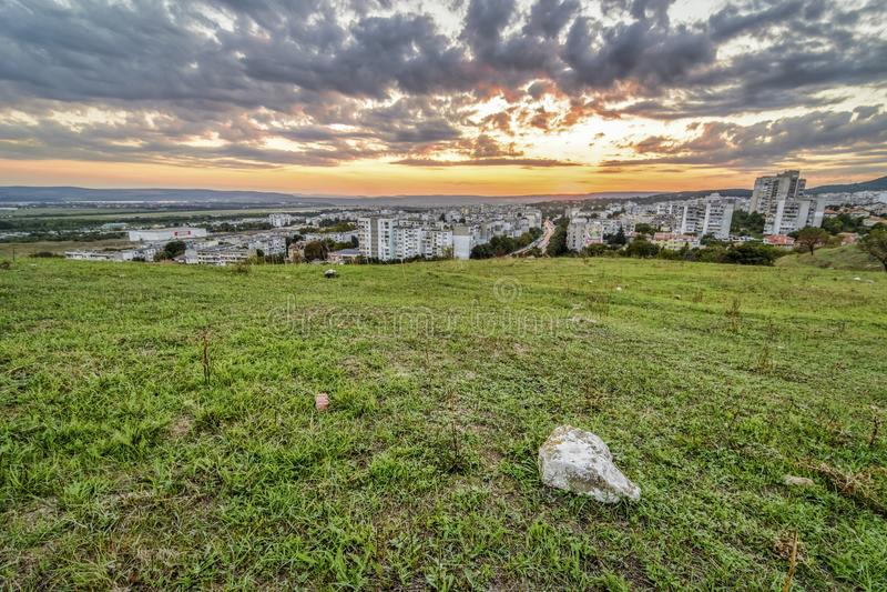 Por do sol sobre Vladislavovo, Varna fotos de stock royalty free
