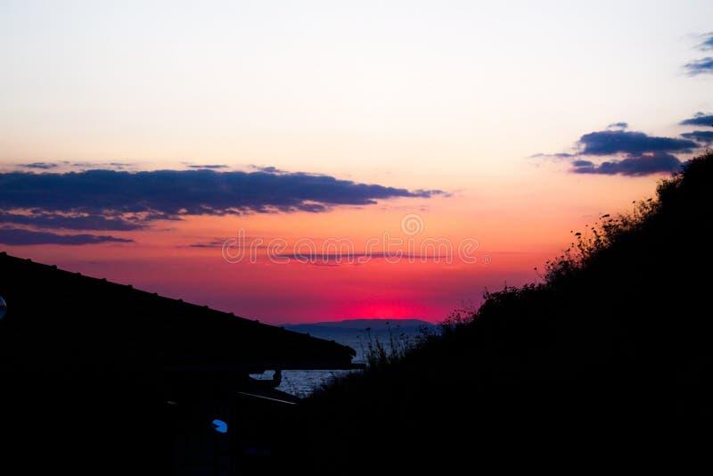 Por do sol do telhado fotografia de stock royalty free