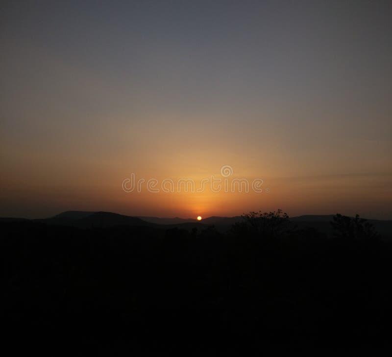 Por do sol tranquilo imagem de stock
