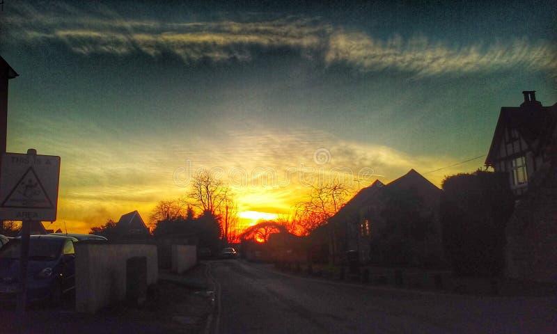 Download Por do sol urbano fotografia editorial. Imagem de sunset - 80102412
