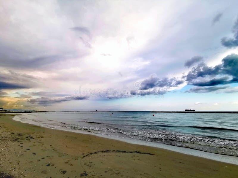 Por el mar imágenes de archivo libres de regalías