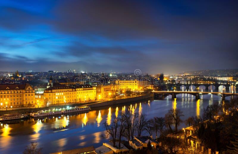 Por la mañana majestuoso Puente Carlos, Praga, República Checa imagen de archivo