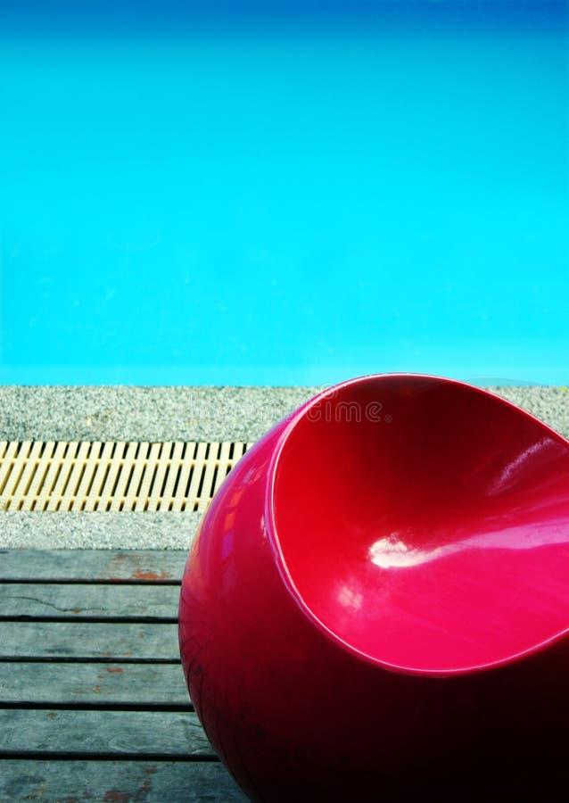 Por la piscina imágenes de archivo libres de regalías