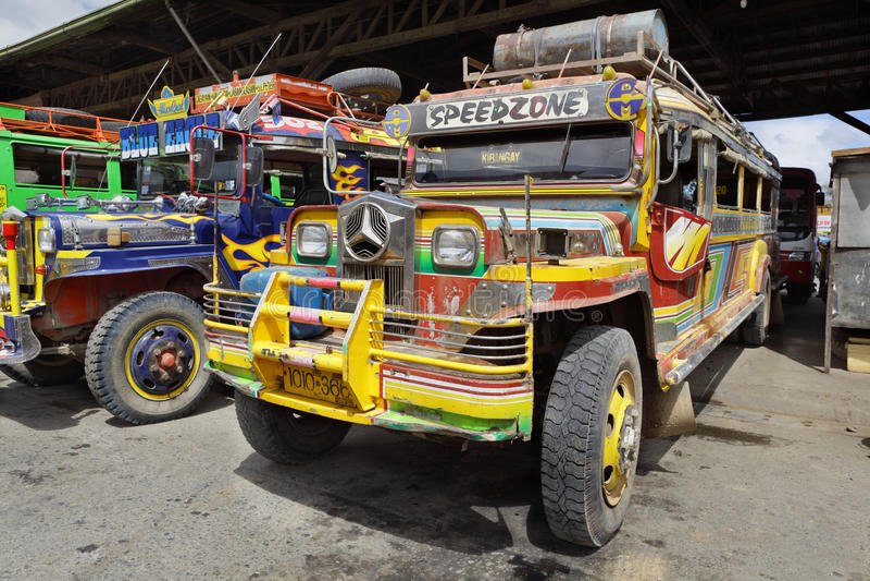 Por muito tempo - barramento Mindanao Filipinas do reboque foto de stock royalty free