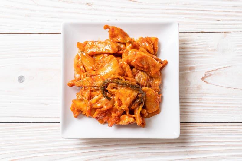 Porc fait sauter ? feu vif avec le kimchi photo stock