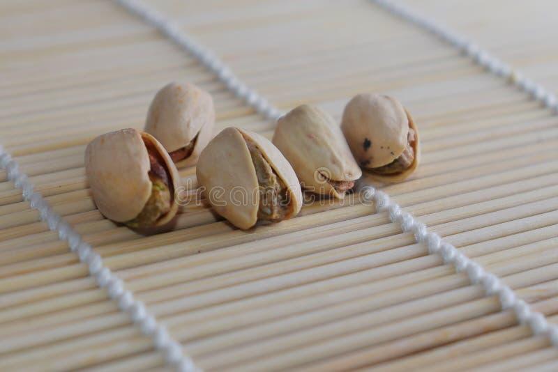 Porcas de pistache - um símbolo da riqueza na Pérsia antiga imagens de stock