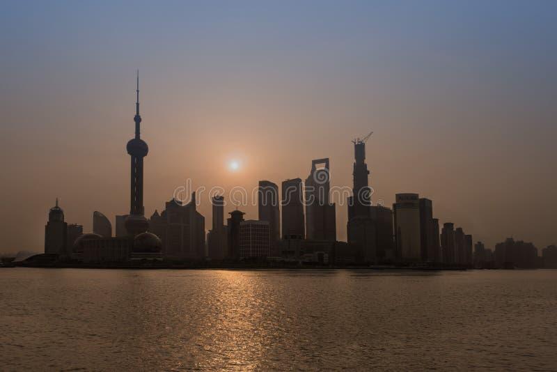 Porcelaine de Changhaï de rivière de hangpu de Pudong photographie stock libre de droits