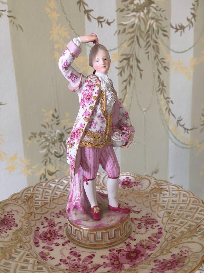 Porcelaine de Meissen dans le château du XVIIIème siècle images stock