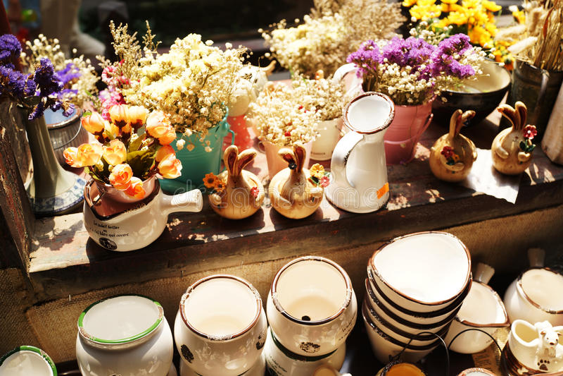 Porcelana y planta imágenes de archivo libres de regalías
