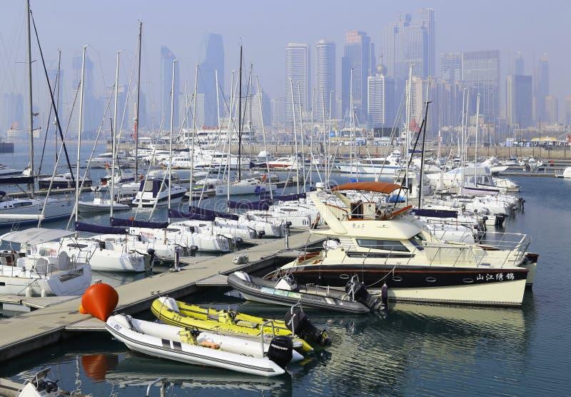 porcelanowy miasta marina Qingdao jacht obraz royalty free