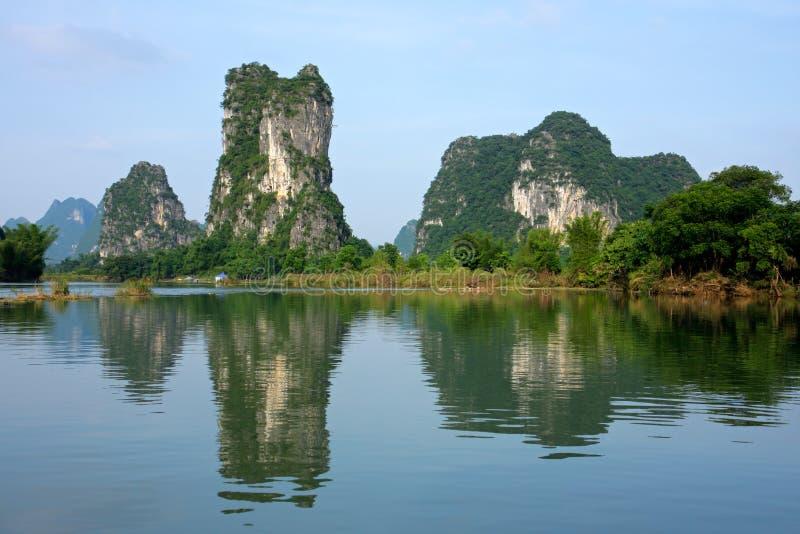 porcelanowy wzgórzy li wapnia rzeki yangshou obraz stock