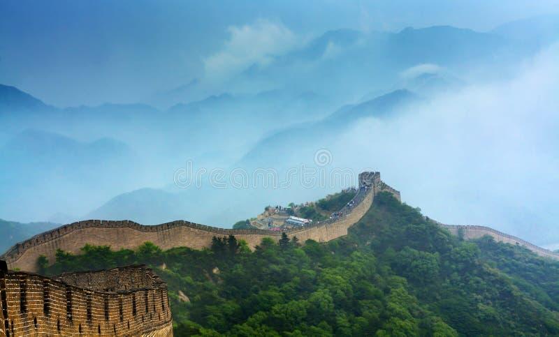 Porcellana della grande muraglia che badaling in pioggia fotografia stock libera da diritti