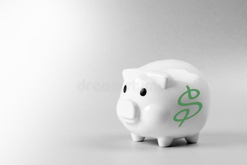 Porcellino salvadanaio con il simbolo di dollaro immagine stock