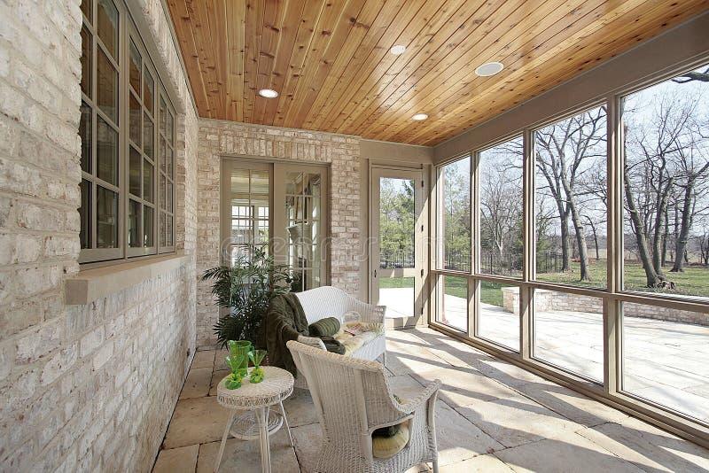 Porche dans la maison de construction neuve photo libre de droits